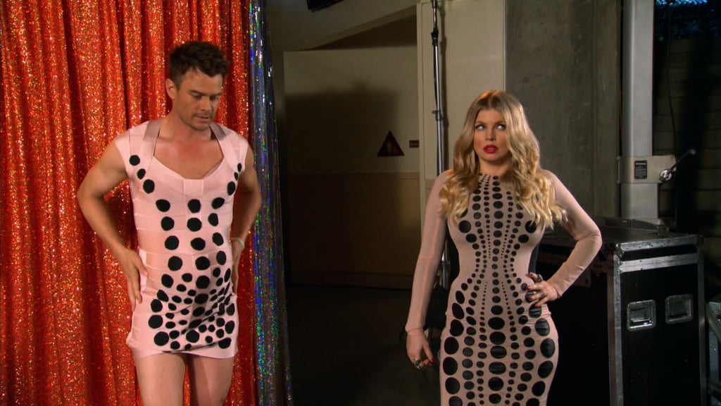 Host Josh Duhamel jokingly dressed up to match his pregnant wife Fergie backstage at the Kids' Choice Awards.