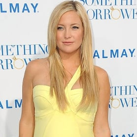 Pictures of Kate Hudson Pregnant in Yellow Versace Dress at Something Borrowed Premiere