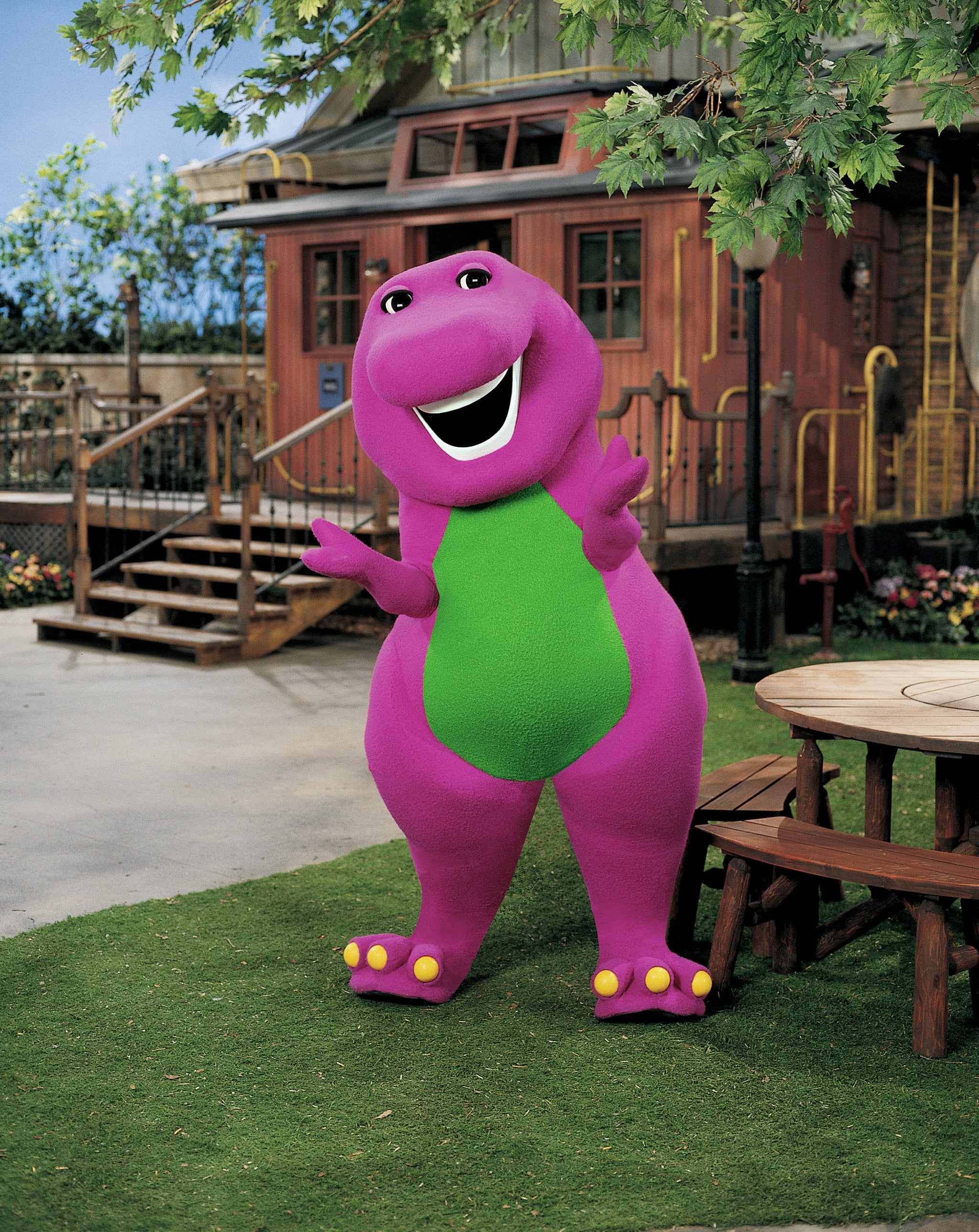 BARNEY AND FRIENDS, Barney the dinosaur, 1992-(c)Hit Entertainment. Courtesy: Everett Collection