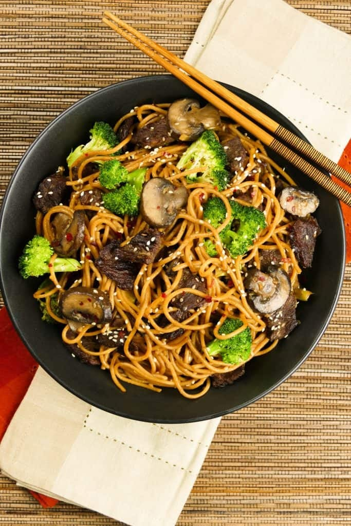 Instant Pot Lo Mein With Beef and Broccoli