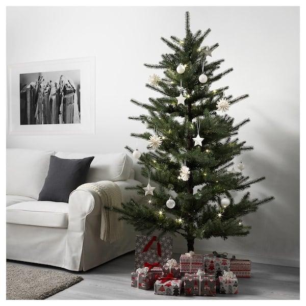Large Christmas Tree: Vinterfest Large Artificial Christmas Tree
