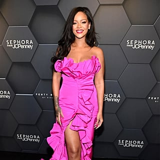 فستان ريانا الوردي في حفل ذكرى إطلاق علامة فنتي بيوتي