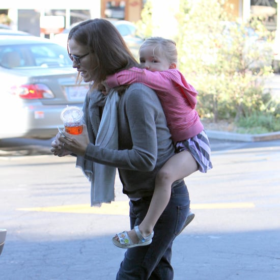 Jennifer Garner Gives Seraphina a Piggyback Ride