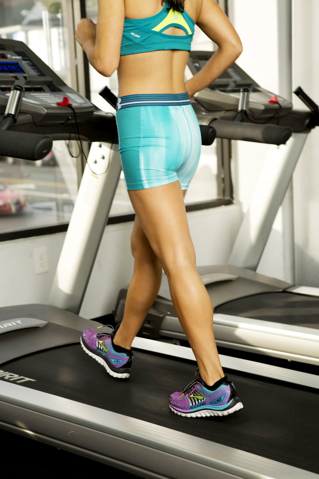 A Fat-Burning 20-Minute Treadmill Workout You Can Do on Your Lunch Break