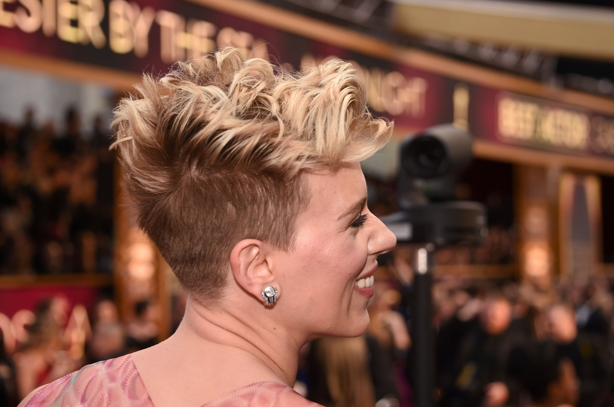 Scarlett Johansson S Hair And Makeup At The 2017 Oscars Popsugar Beauty