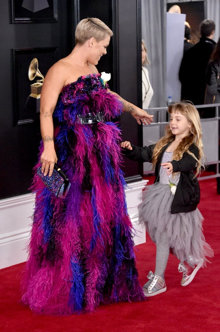 Pink And Willow Hart At 2018 Grammys Popsugar Celebrity