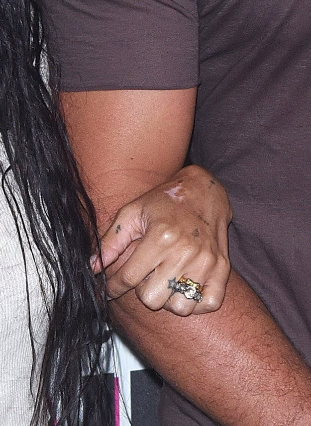 Zo 235 Kravitz S Engagement Ring Popsugar Fashion Photo 12
