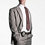 Jimmi Simpson as Detective Russell Poole