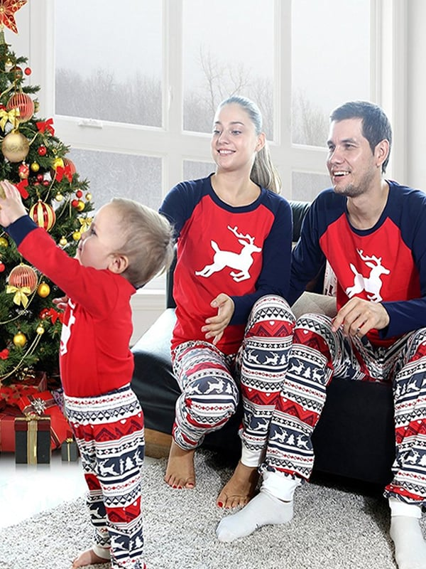 d78fa72f45 ZXZY Matching Family Pajamas Sets Christmas Deer Printing Family Fitted  Suit Sleepwear