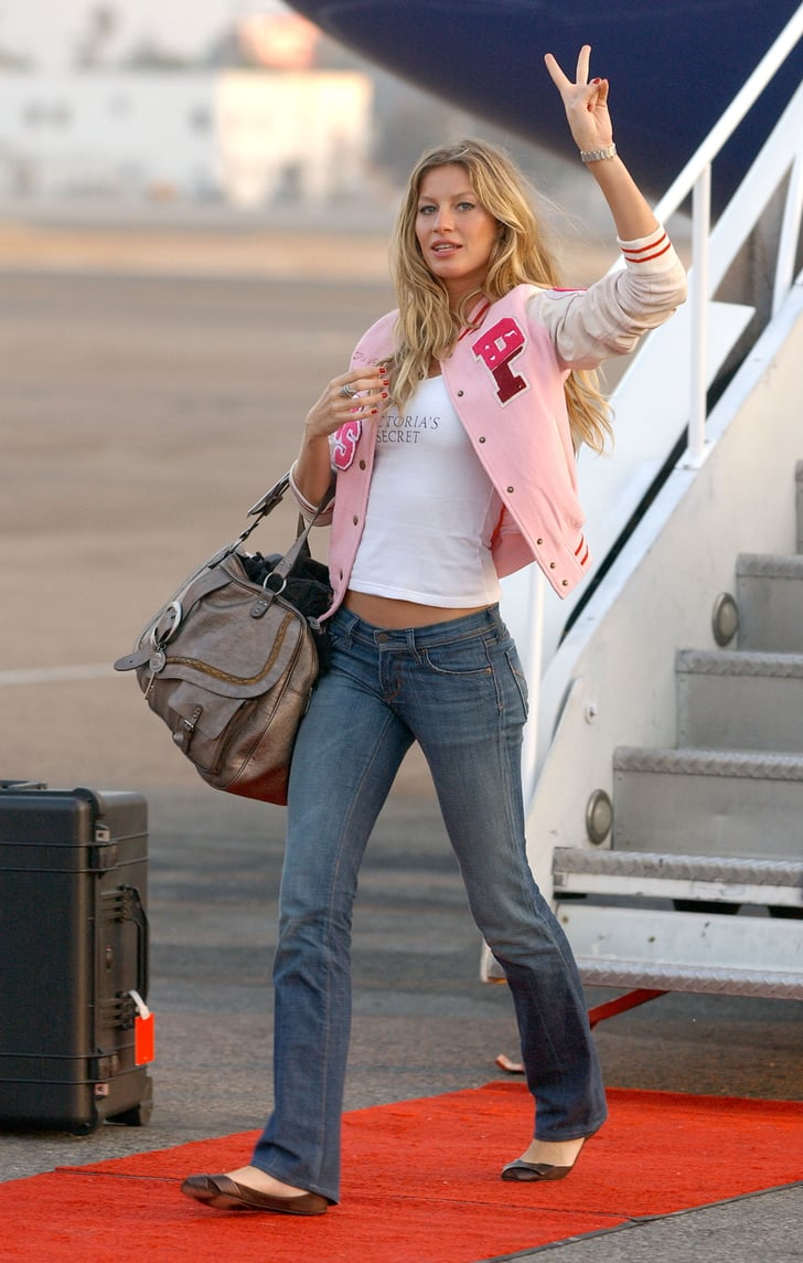 And Rocked Her Favorite Outfit For a Plane Ride, Too ...
