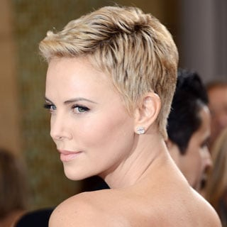Pictures of Charlize Theron at the 2013 Oscars