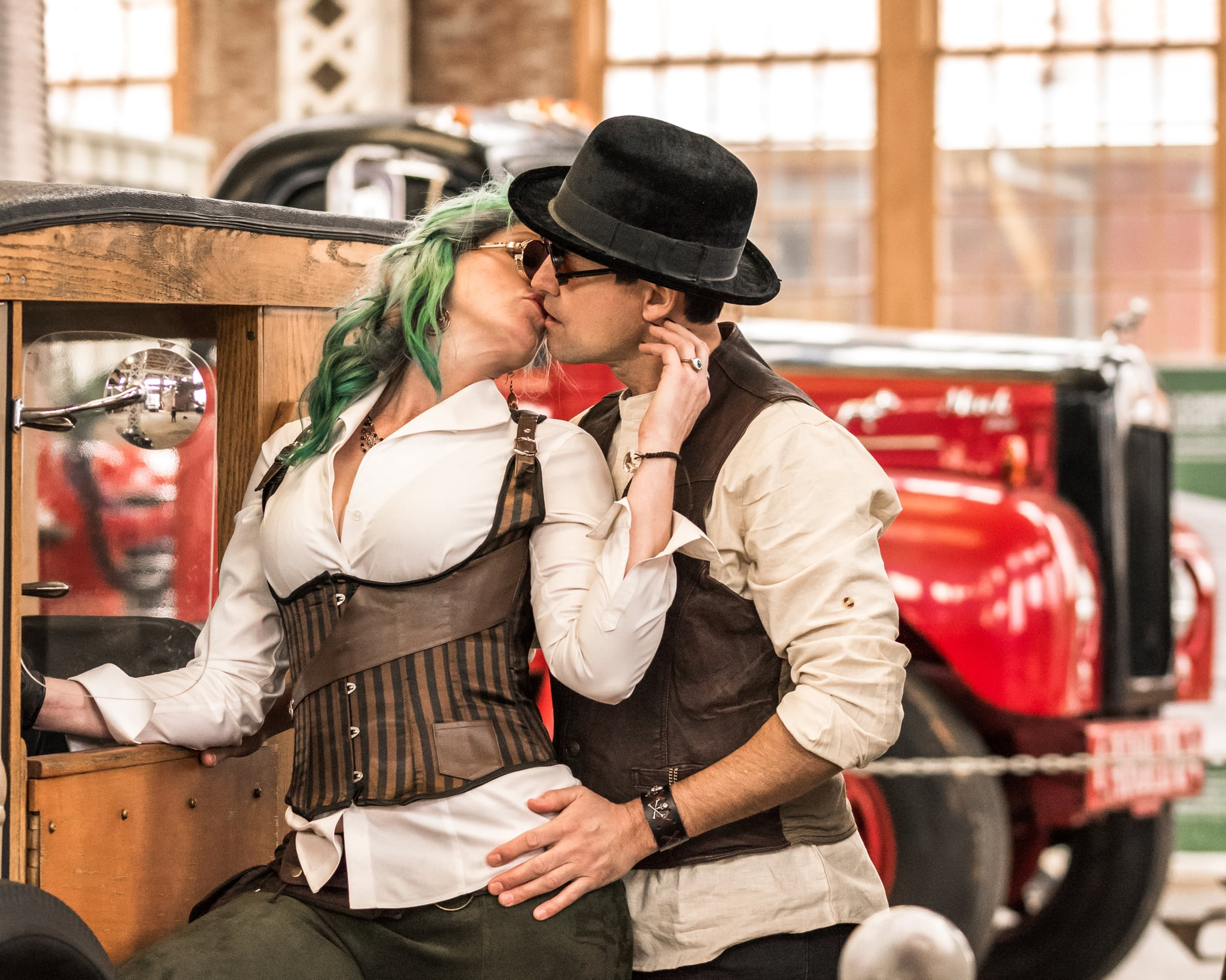 steampunk dating site)