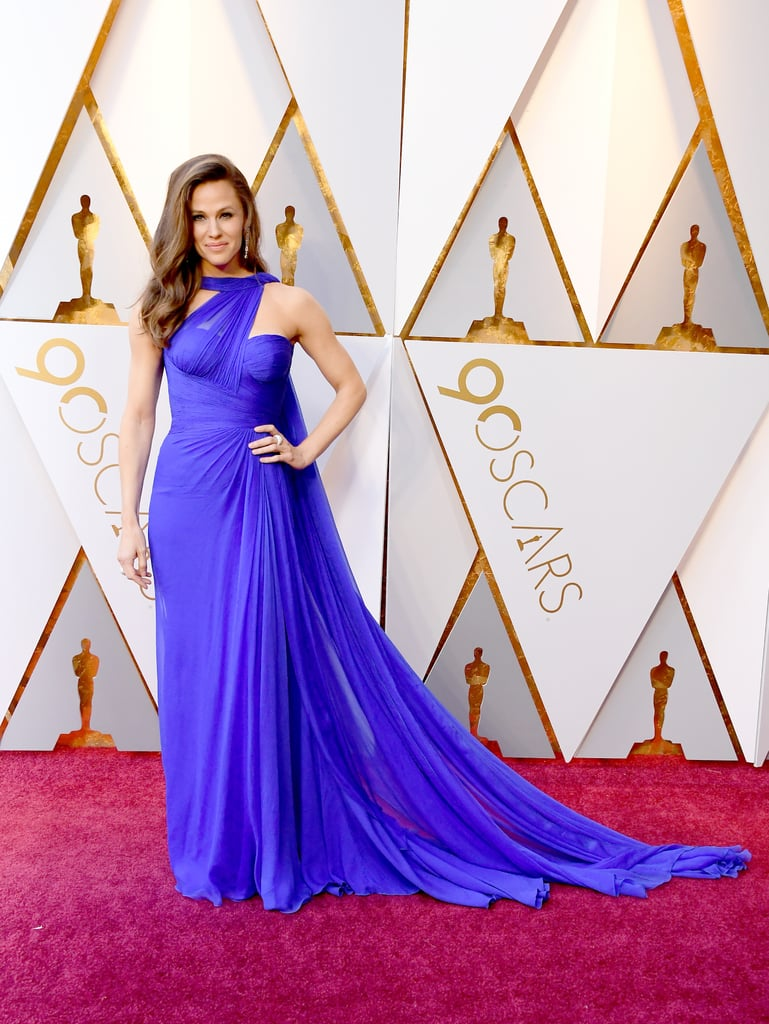 Jennifer Garner Showed Up to the Oscars Proving She Lives in Technicolor While We're All Stuck in Black and White