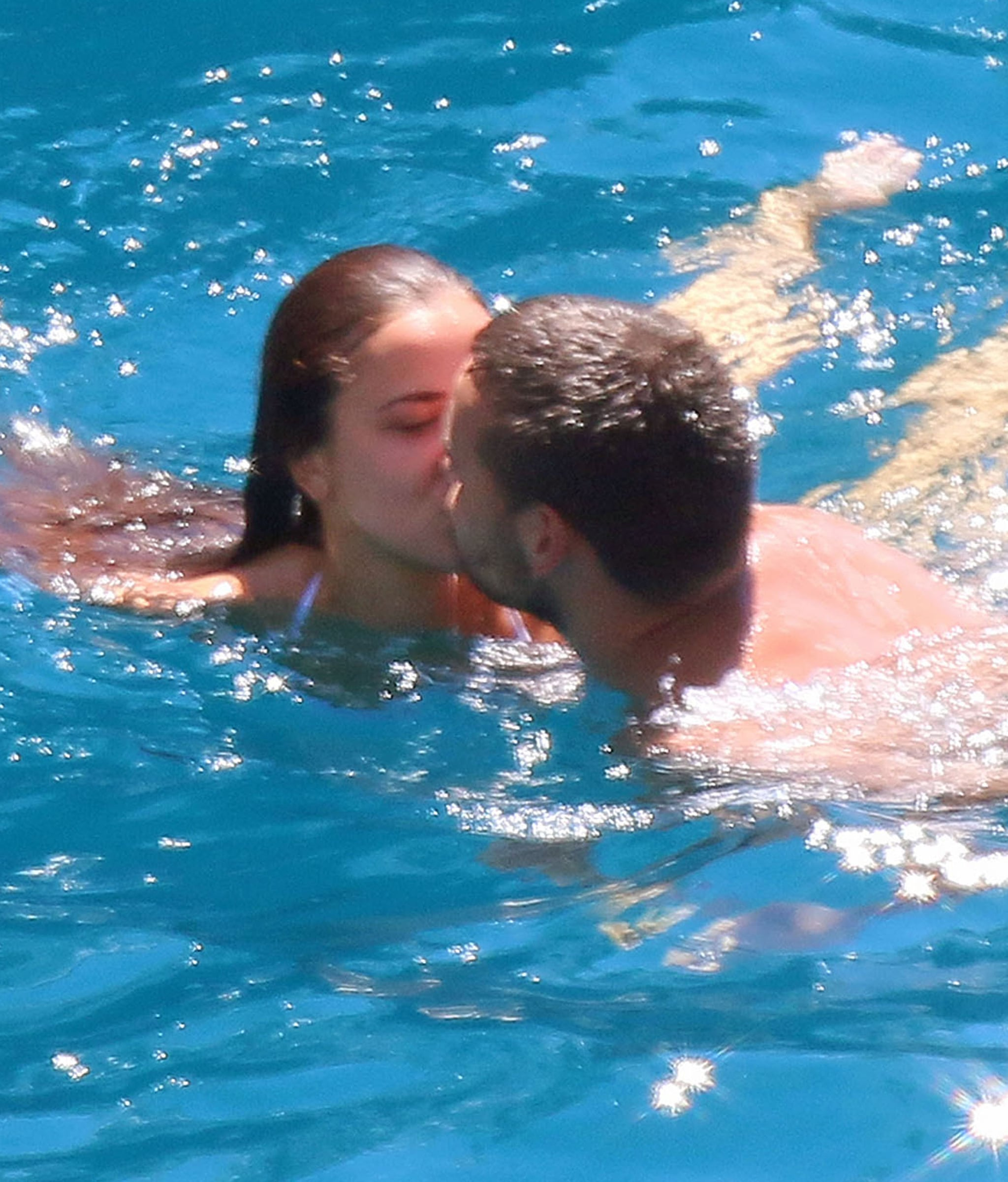 Liam Payne Heads to France For Shirtless PDA