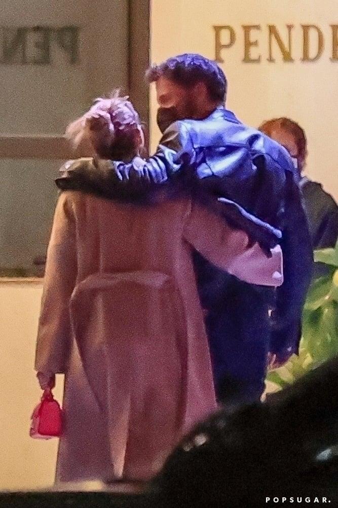 Jennifer Lopez and Ben Affleck Hugging in LA | Pictures