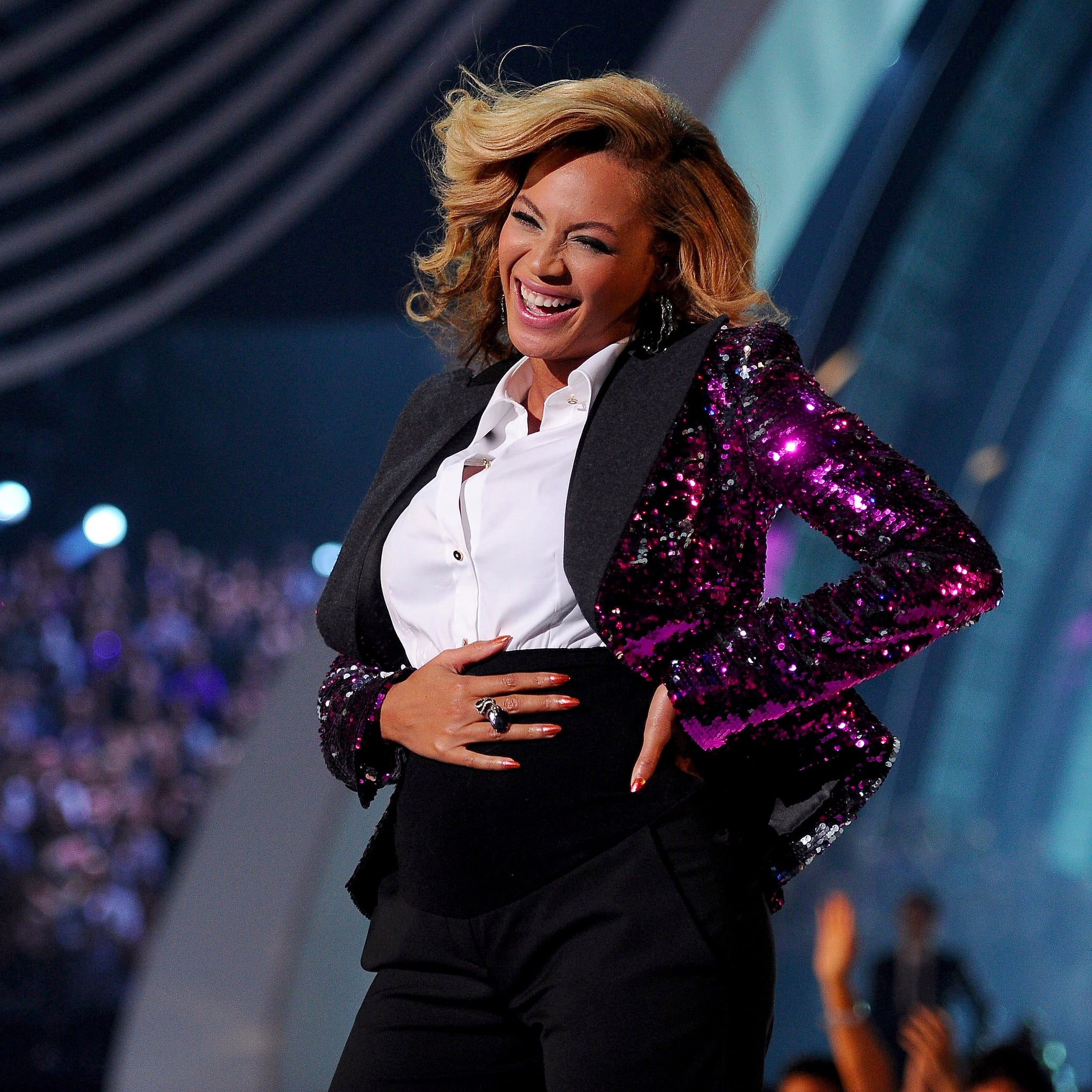 Pregnant-Beyonce-Knowles-Performing-2011-VMA-Video.jpg
