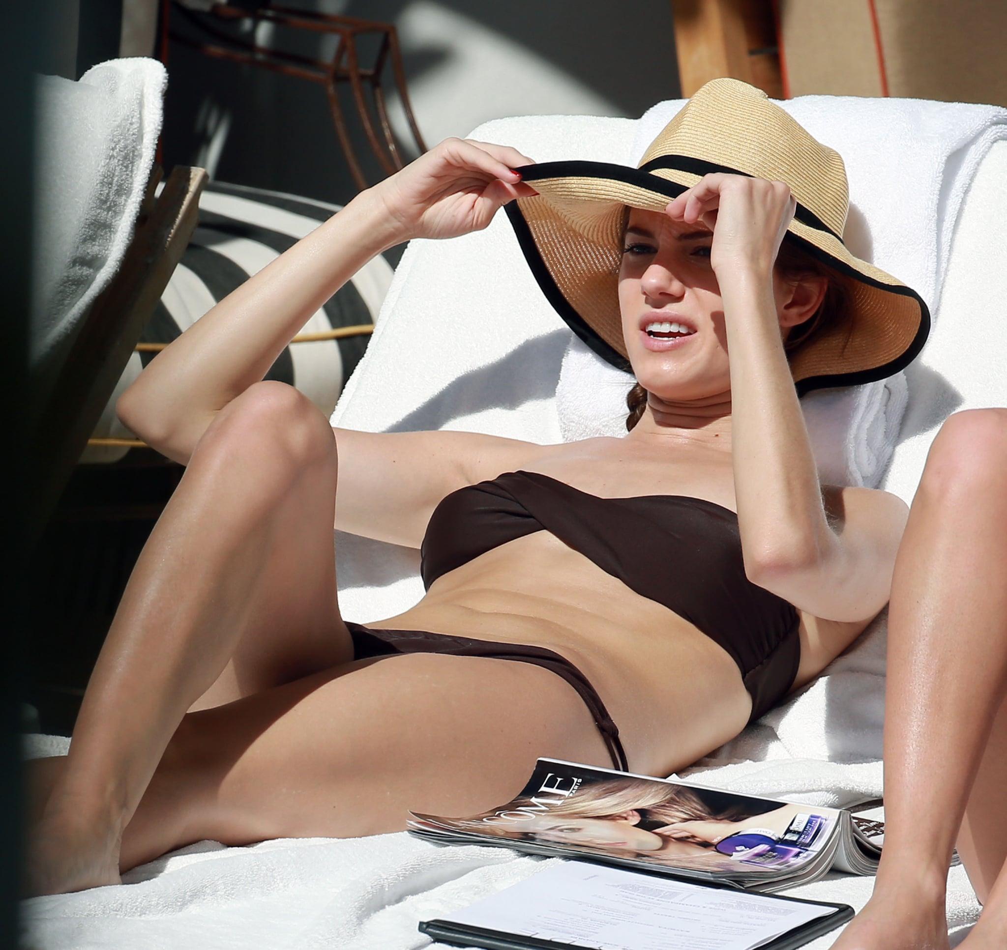 Allison Williams relaxed in a black bikini while in Miami in February 2013.