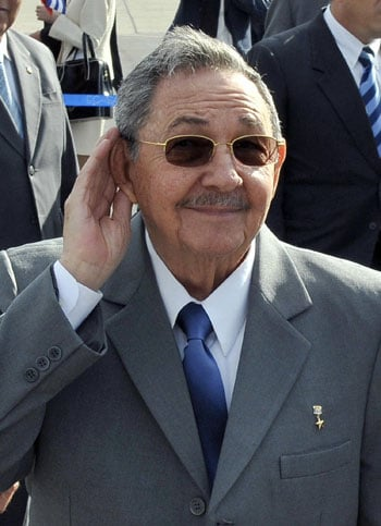 Should Barack Obama Meet Cuba's Raul Castro?