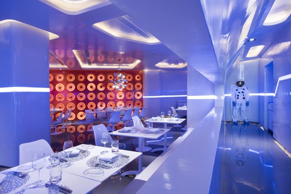 Spacewalker Nickelodeon Hotels Resorts Punta Cana Dominican Republic - Mulai dari Atas Pohon Sampai Bawah Laut, 5 Restoran Greget ini Worth Banget Kamu Kunjungi!