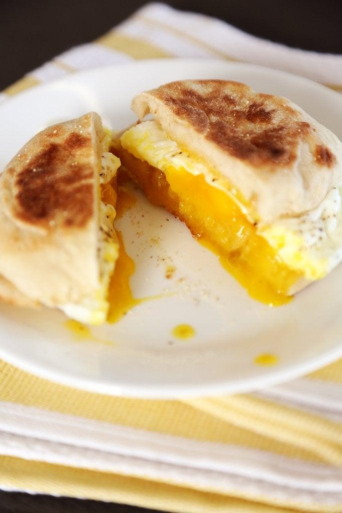 1-Minute Microwaveable Egg Sandwich