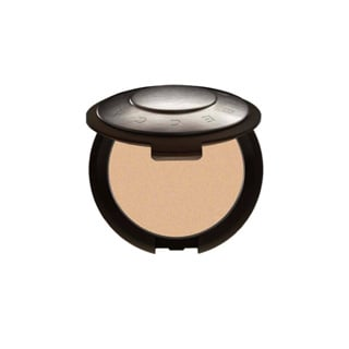 Product Review of Becca Cosmetics Mineral Powder Foundation