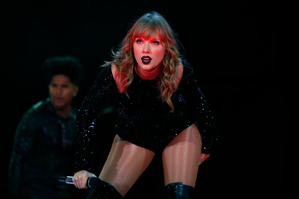 Taylor Swift Ripping Off Eyelashes at Sydney Concert