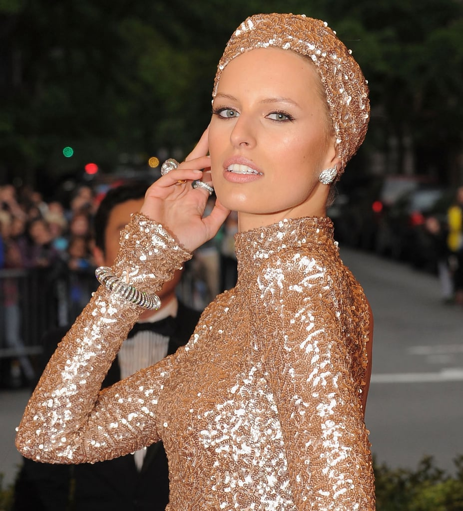 Karolina perfects the model pose and we get a closer glimpse of all the glitter.