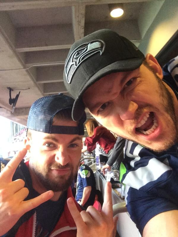 Even though Chris Pratt and Chris Evans root for different teams, the guys watched the 2015 Super Bowl together. Talk about good sports — they even had a charitable bet going!