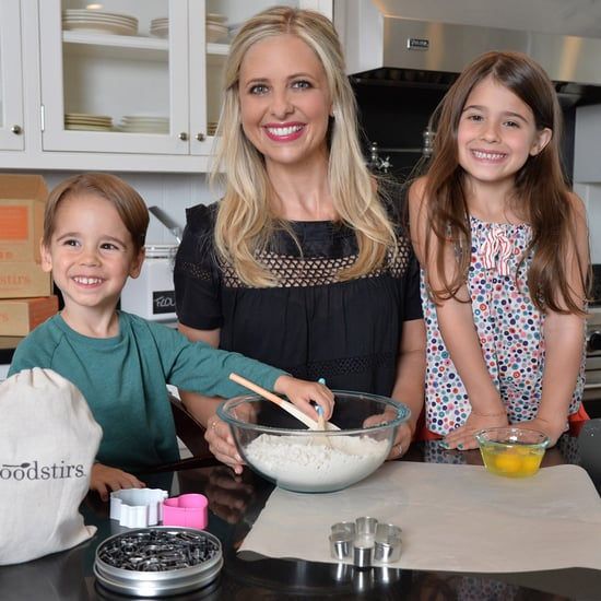 Sarah Michelle Gellar in the Kitchen With Her Kids | Picture