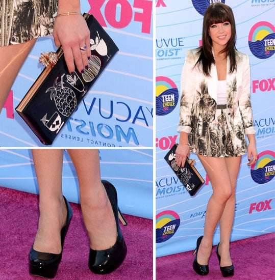 Pictures of Carly Rae Jepsen in Lisa Ho Tropical Print Short Suit on the Red Carpet at the 2012 Teen Choice Awards: Rate it?
