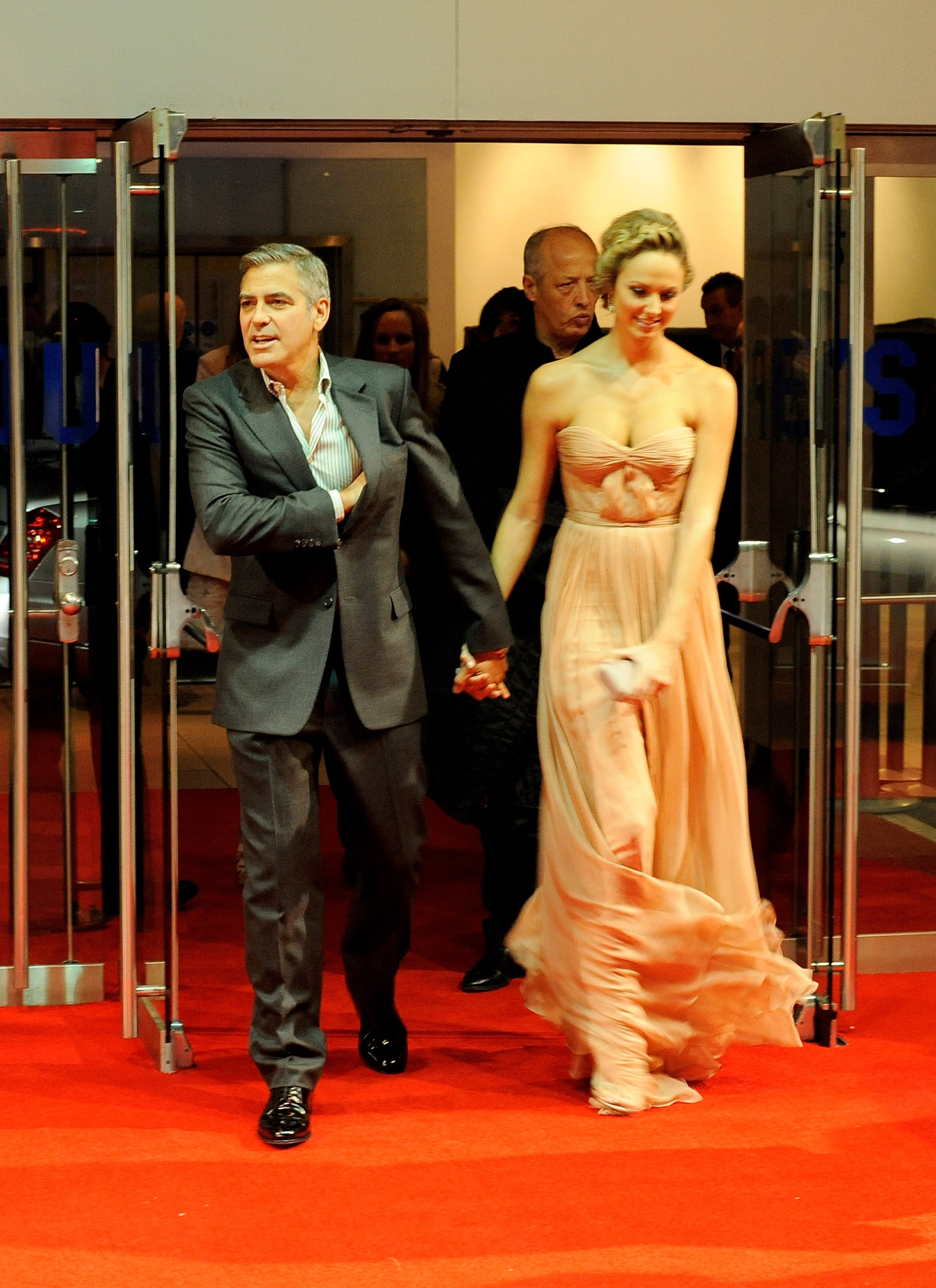 George Clooney and Stacy Keibler on the red carpet.
