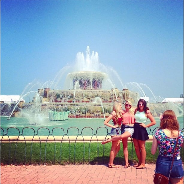 We weren't the only ones shooting festival street style. Friends posed for Instagram-worthy photos next to Buckingham Fountain. Source: Instagram user POPSUGARFashion
