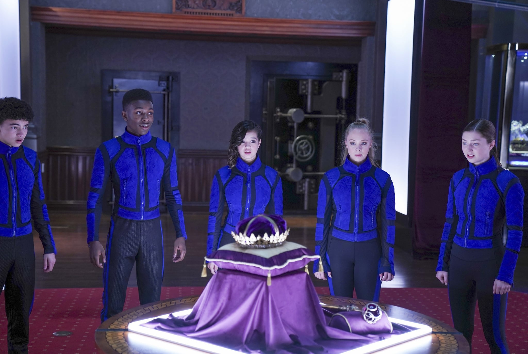 SECRET SOCIETY OF SECOND BORN ROYALS, from left: Faly Rakotohavana, Niles Fitch, Peyton Elizabeth Lee, Olivia Deeble, Isabella Blake-Thomas, 2020. ph: John Medland /  Disney+ / Courtesy Everett Collection