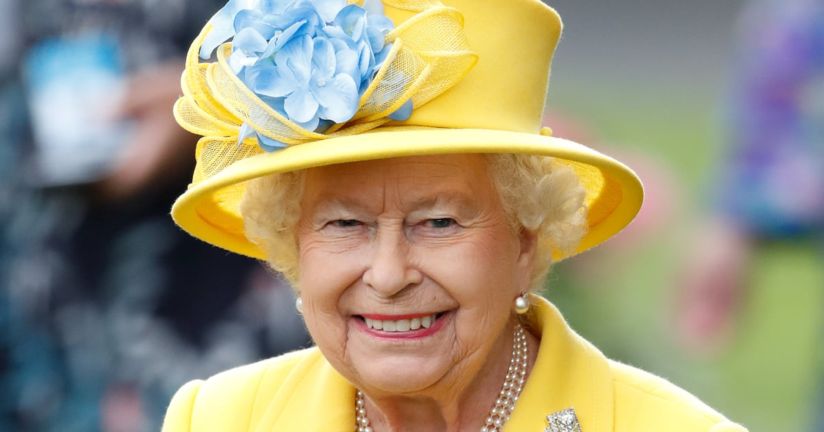The Way Queen Elizabeth Chooses Her Outfits Every Day Is Absolutely Fascinating