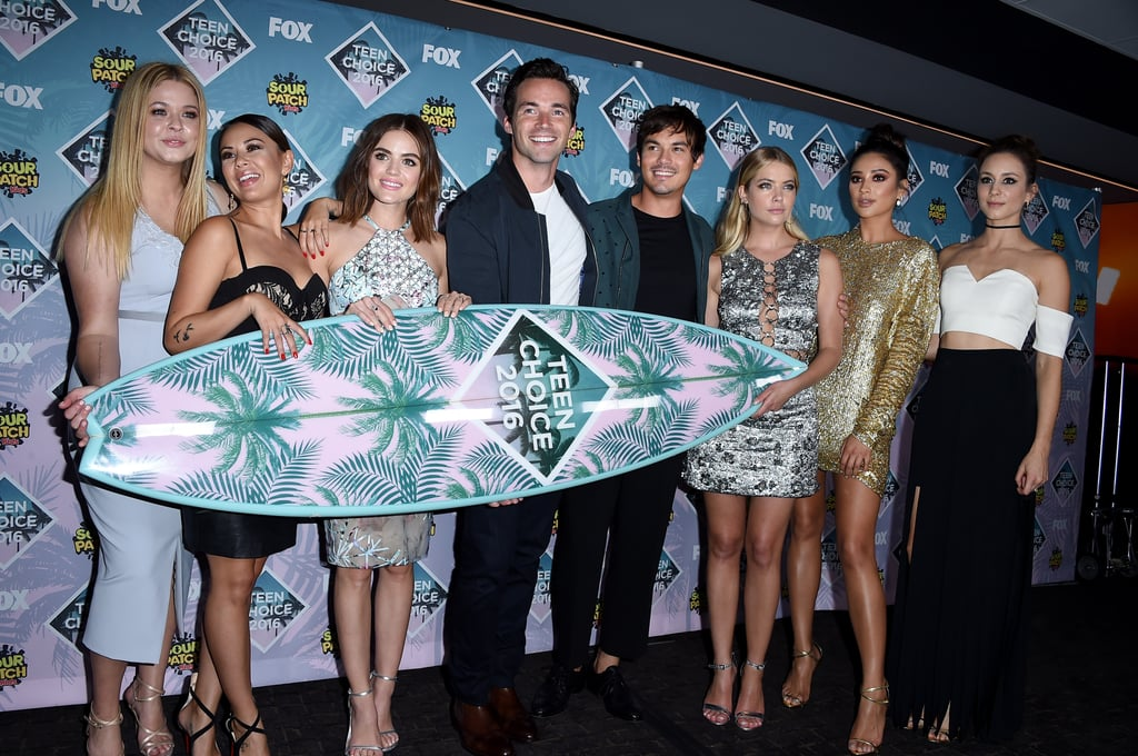 When They Posed With Their Surfboard at the Teen Choice Awards