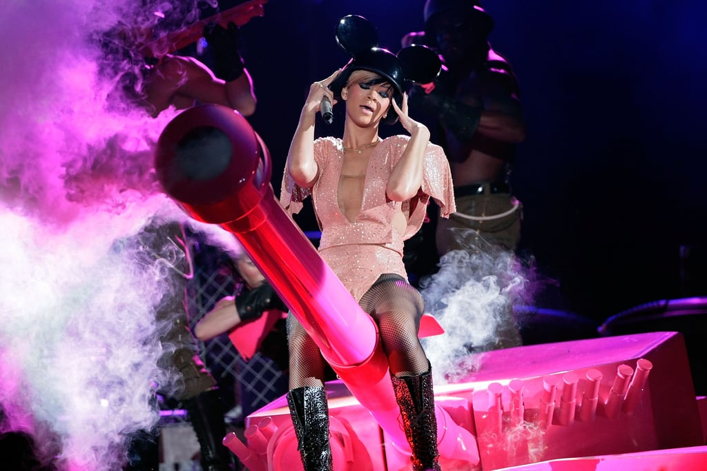 PIctures of Rihanna Live on Stage in Spectacular Costume For UK Birmingham Shows During Her Tour 2010-05-10 16:30:19