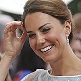 The Duchess donned drop earrings.