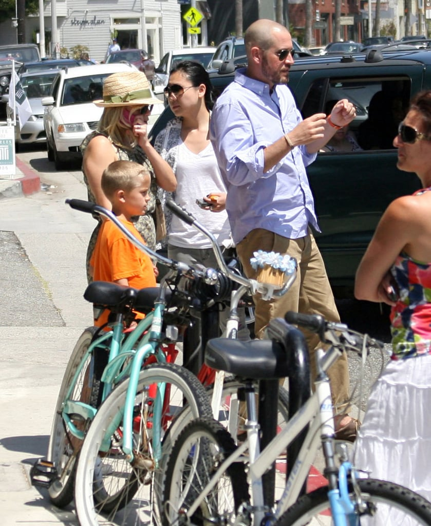 Reese Witherspoon at lunch with Jim Toth and Deacon Phillippe.