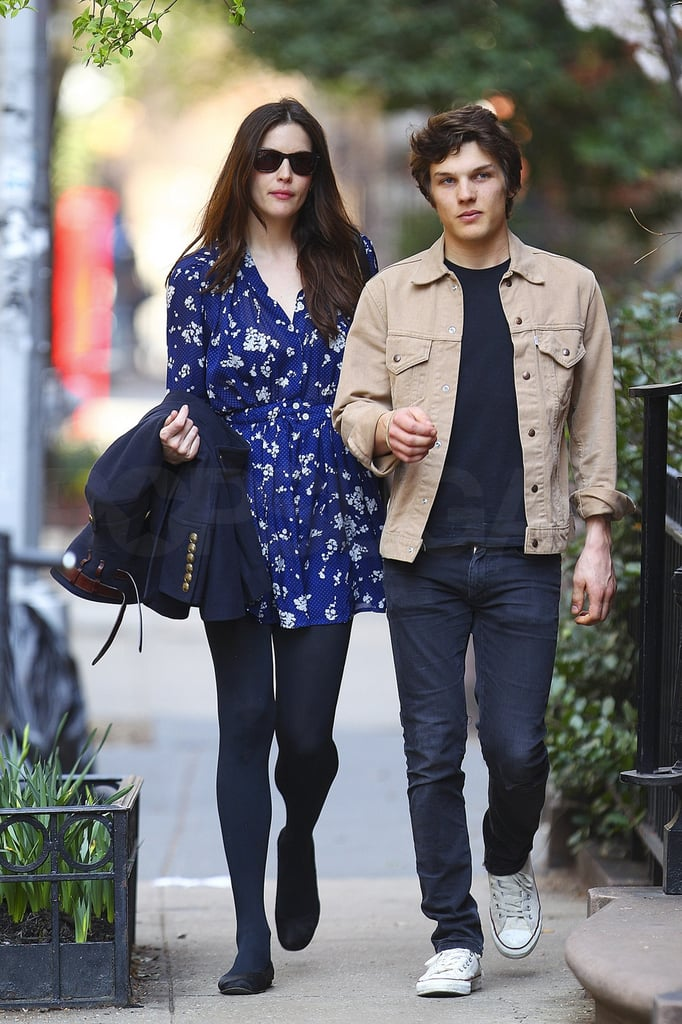 pictures of liv tyler and boyfriend theo wenner in new york popsugar celebrity photo 5. Black Bedroom Furniture Sets. Home Design Ideas