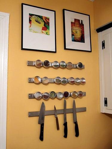 DIY: Magnetic Spice Strips
