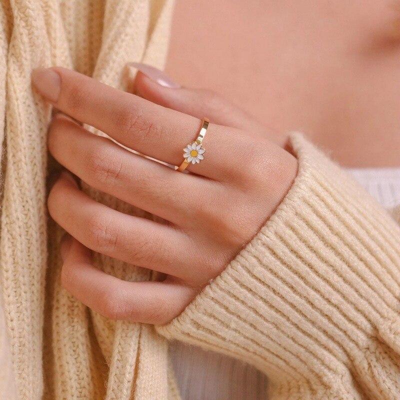 Daisy Anxiety Ring