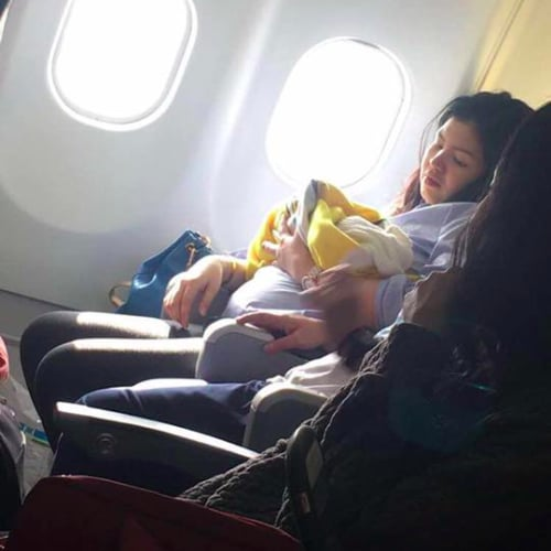 Woman Gives Birth on Flight From Dubai To Philippines