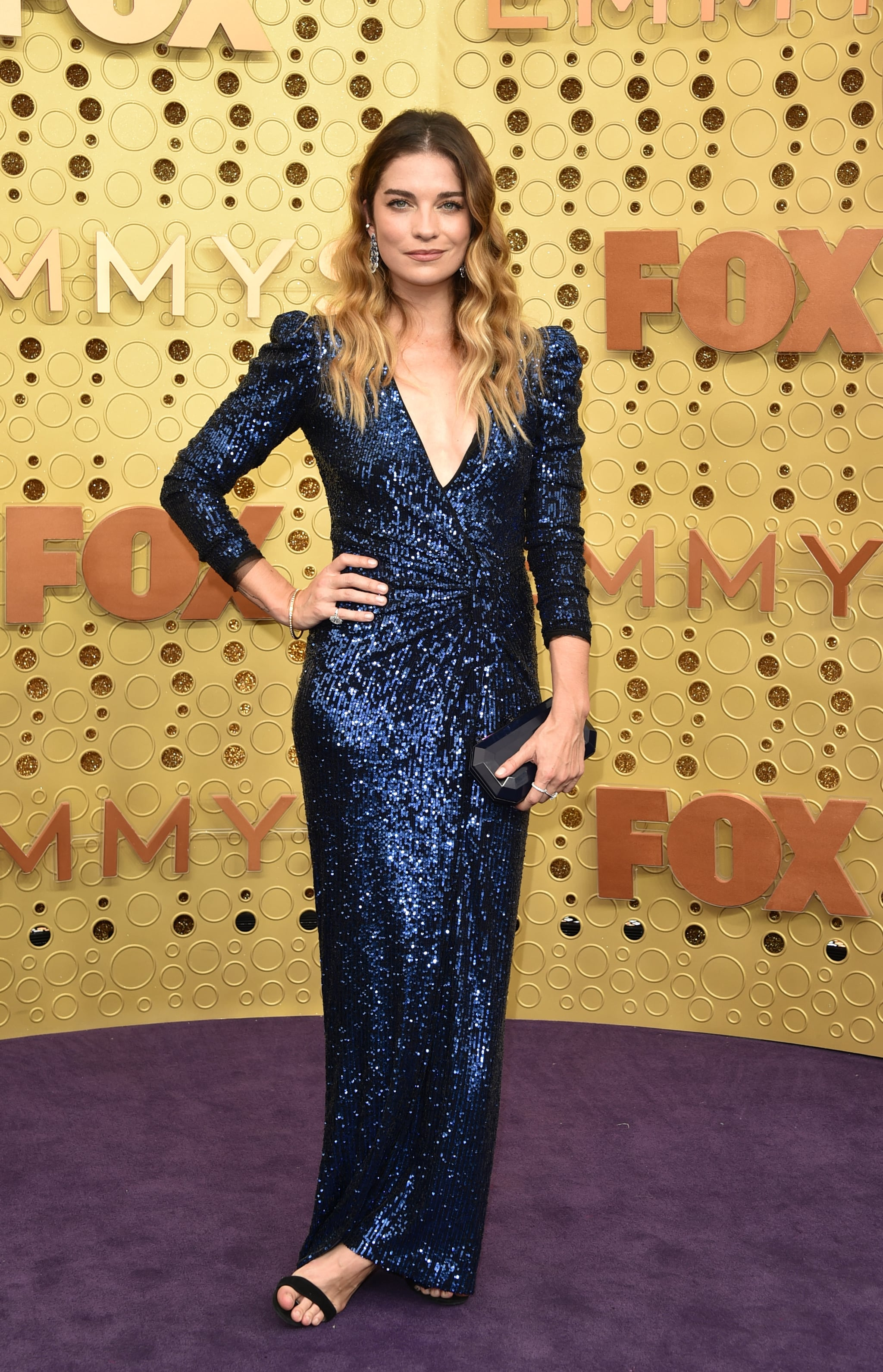 LOS ANGELES, CALIFORNIA - SEPTEMBER 22:  Annie Murphy attends the 71st Emmy Awards at Microsoft Theatre on September 22, 2019 in Los Angeles, California. (Photo by John Shearer/Getty Images)