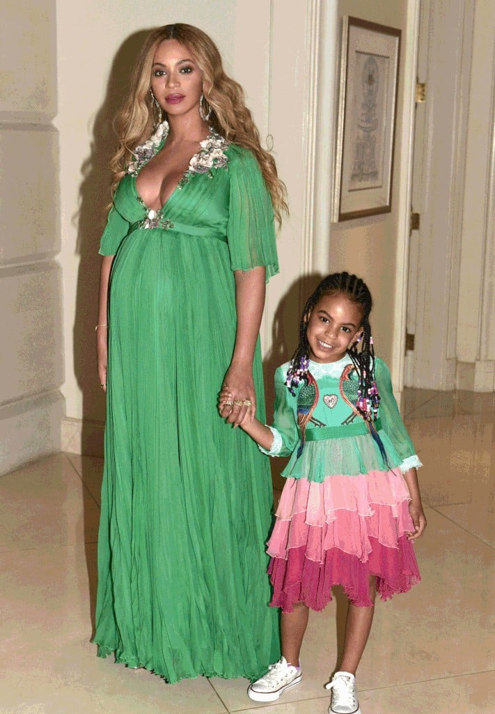 beyonce and blue ivy gucci dresses beauty and the beast 2017 popsugar fashion. Black Bedroom Furniture Sets. Home Design Ideas
