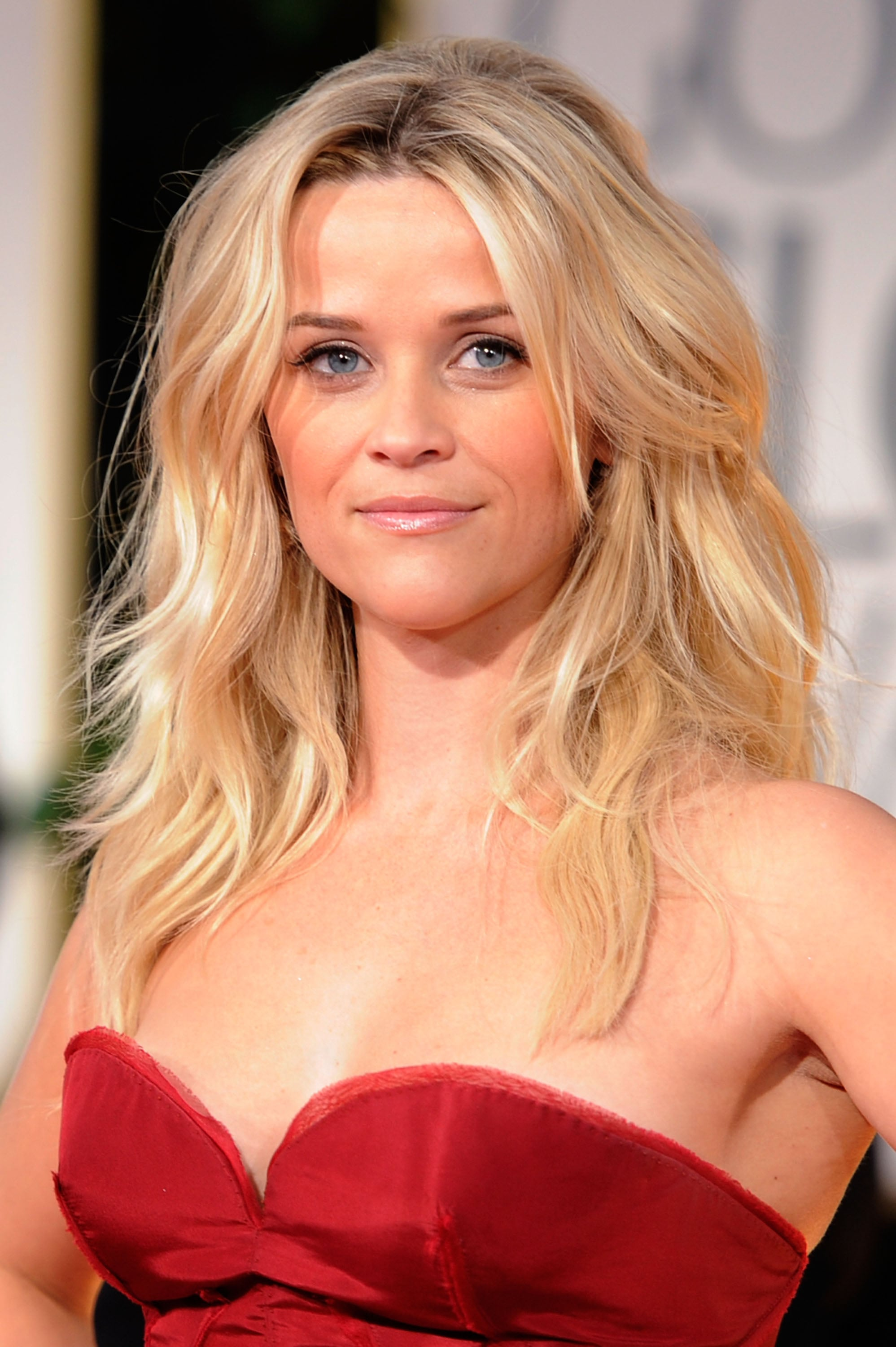 Reese witherspoon hair side bangs