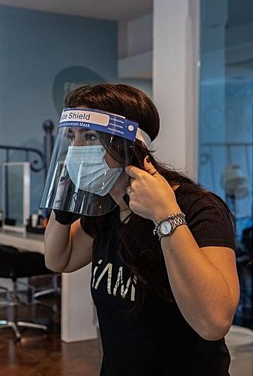 Will Hairstylists Wear Goggles at the Salon Amid Coronavirus