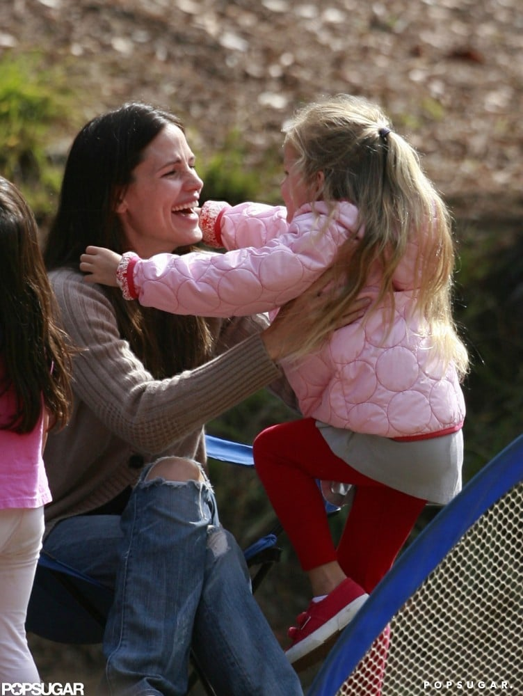 Jennifer Garner shared a hug with Violet Affleck during one of their park play dates in September 2010.