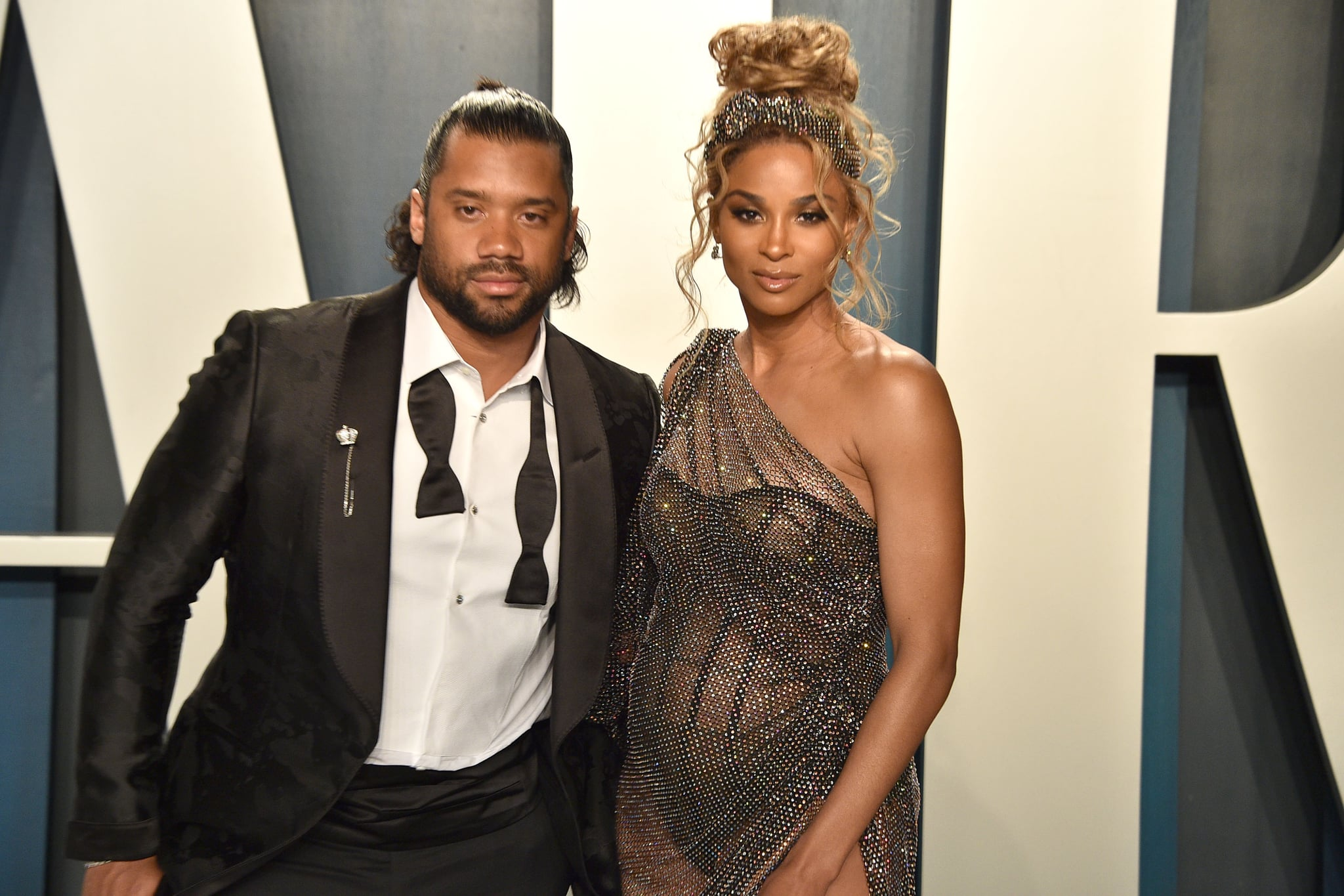 BEVERLY HILLS, CALIFORNIA - FEBRUARY 09: Russell Wilson and Ciara attend the 2020 Vanity Fair Oscar Party at Wallis Annenberg Centre for the Performing Arts on February 09, 2020 in Beverly Hills, California. (Photo by David Crotty/Patrick McMullan via Getty Images)
