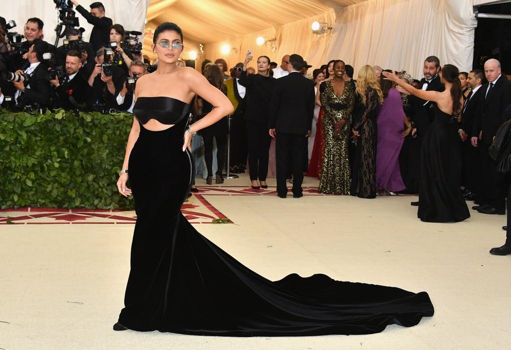 Kylie Jenner Wore a Futuristic Black Gown | Kardashian Jenner Met ...
