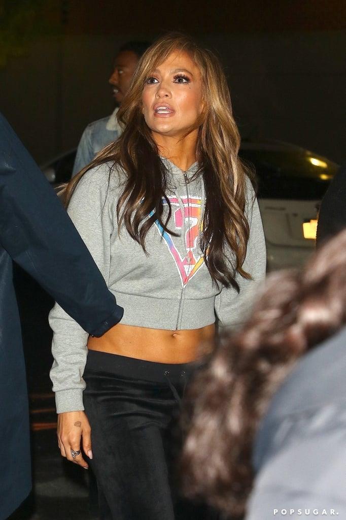 966e5ee7e3 Jennifer Lopez in Guess Sweatshirt and Juicy Pants 2019